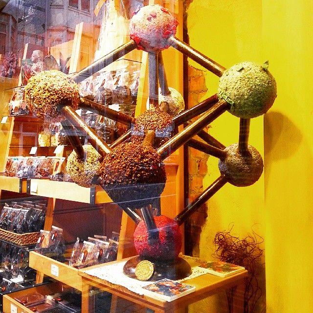 #chocolate #atomium #monument #chocolateaddict #chocoholic #chocolove #artwork #artoftheday #art #Bruxelles #bruxellesmabelle #Brussels #bxl #visitbelgium #visitbrussels #welovebrussels #instabrussels #instamoment #vsco #bestoftheday #foodgasm #foodstagram #foodpics #foodporn #foodie #food #sweet #foodlove #foodaddict #ilovechocolate