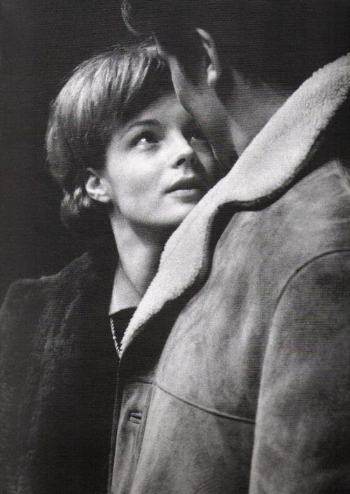 """Romy Schneider (& Alain Delon)- minns att jag såg en film med henne projicerad på väggen i Lilla Baren & tänkte """"Hon ser ut som mamma & mig!"""""""