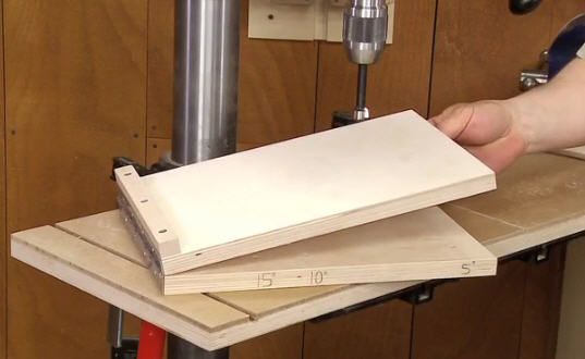 Make this drill press angle jig for drilling holes at a desired angle. Simple and effective. (Click on image to watch video)