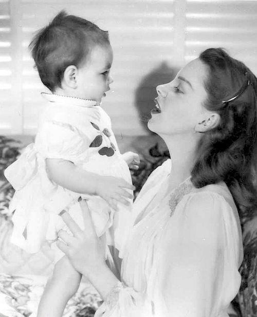 judyforever:    Judy Garland with daughter Liza Minnelli