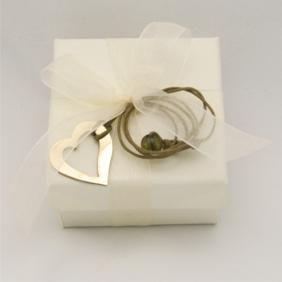 Μπομπονιέρα κουτί με ορειχάλκινη καρδιά. 8x8x4εκ. #marizaart #greekart #art #greece #wedding
