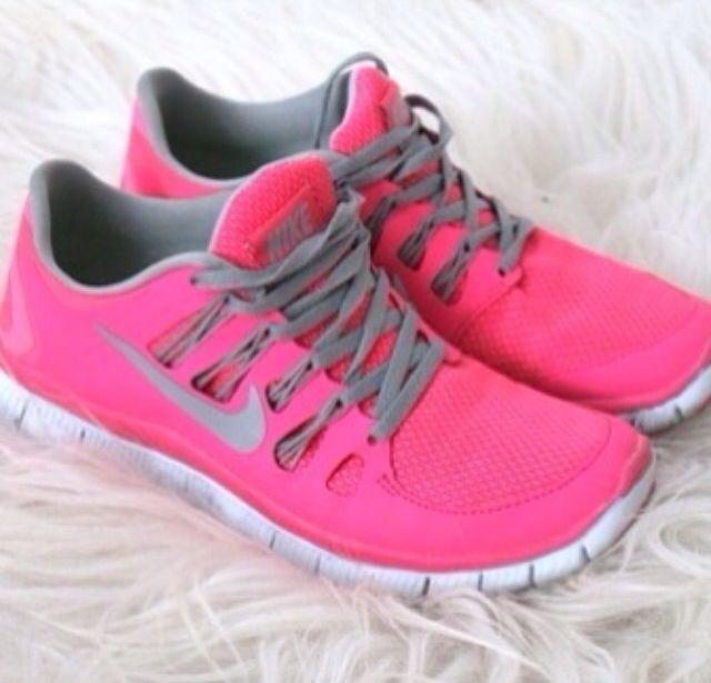 nike tennis shoes pink
