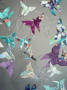 Nuée de papillons en origami