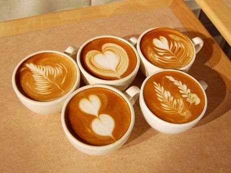i love lattes. and latte art. a latte. heh.