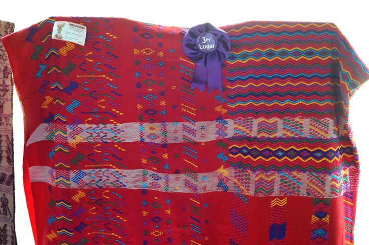 https://flic.kr/p/xfV15Y | Maya Weaving Chiapas Mexico Oaxaca | A fine woven man's shoulder cloth from Venustiano Carranza, Chiapas, Mexico. It was woven by Maria Ines Mendoza Vasquez and was shown in the Grandes Maestros expo-venta at the Oaxaca state folk art museum (MEAPO)