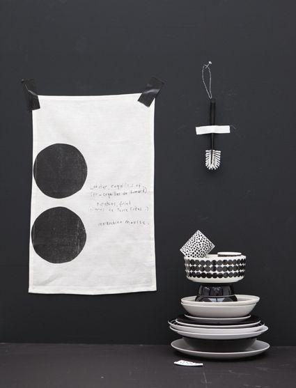 Black and white for magazine 101woonideeen. Ook wart-wit (dessin)mix is thuis in het eigenwijze huis.