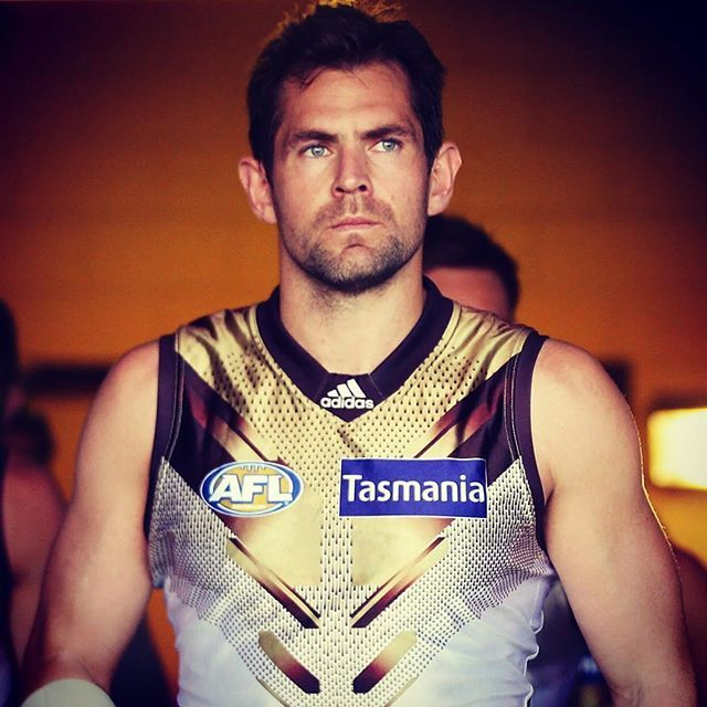 Luke Hodge will miss the next four to six weeks through injury. Link to in bio. #HawthornAlways