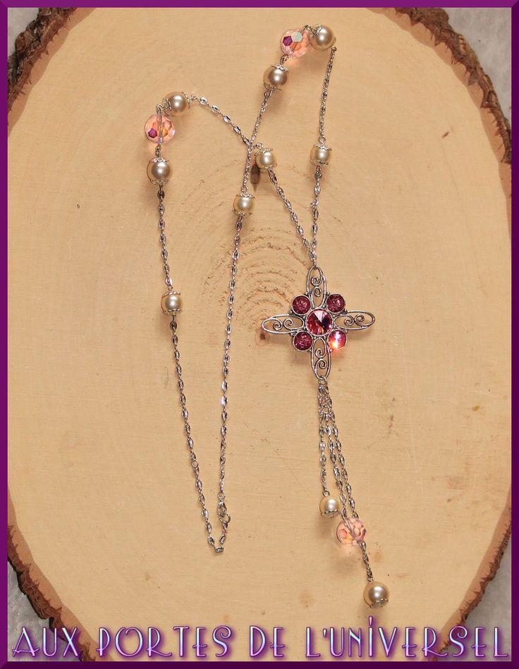 Sautoir avec grand pendentif, rose et nacré sur métal argenté : Collier par portes-universel