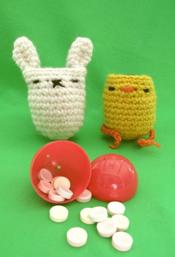 Crochet Egg Holder : Egg holders! Cute! Too bad I am all thumbs when it comes to crocheting ...