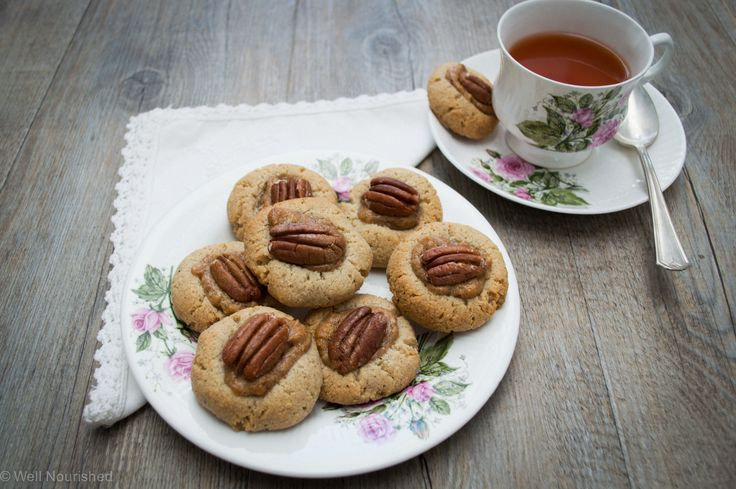 Pecan Pie Cookie - This delicious gluten, grain, dairy, fructose and egg free Pecan Pie Cookie is a healthy alternative to super sweet pecan pie.