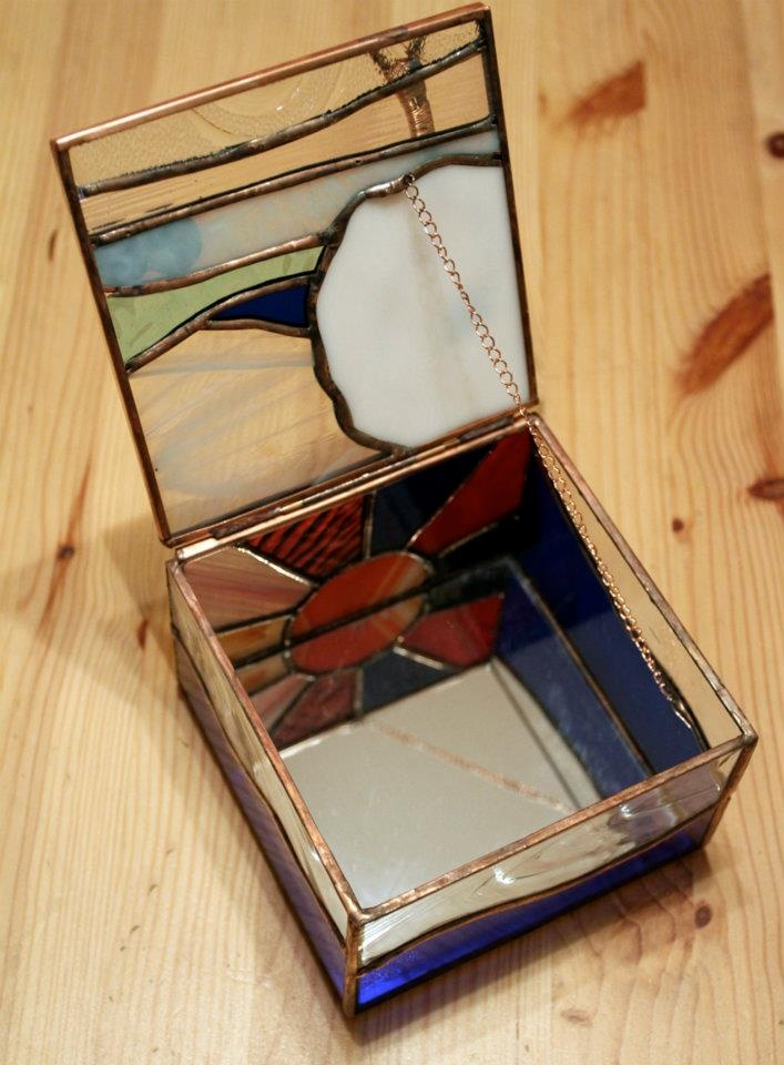 2011 jewelry box with removable lid https://www.facebook.com/pages/ZN-Stained-Glass/41146722975