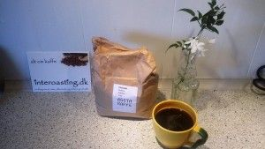 Ethiopian Arabica Geisha coffee. Home roasted Ethiopia and Panama geisha.  http://interoasting.dk/arabica-geisha-kaffe