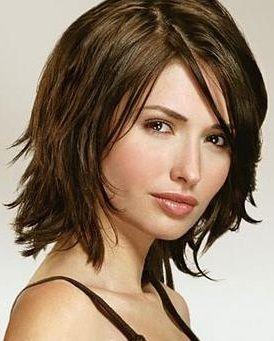 shaggy angle bob hairstyles | Peinados para pelo con altura media