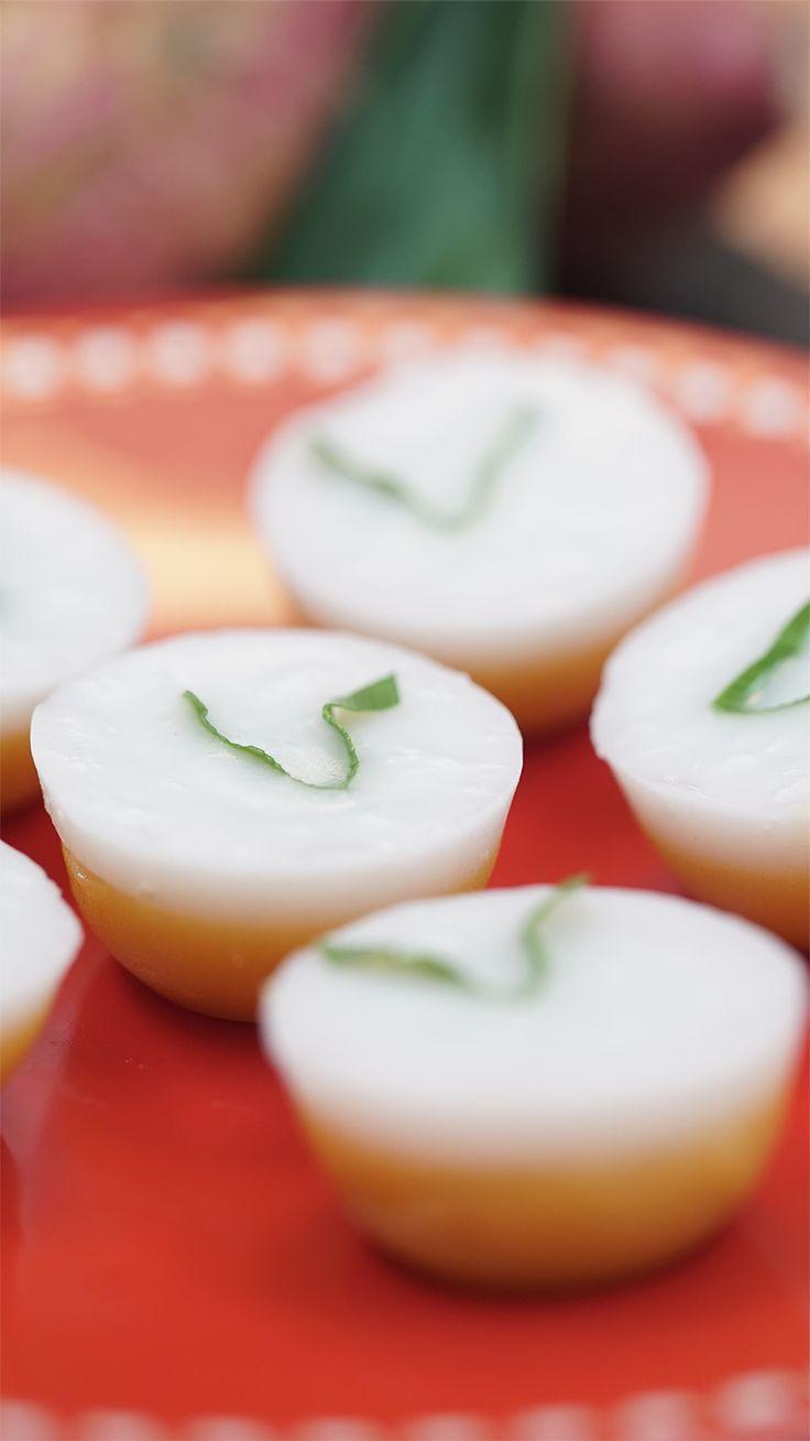 Kue talam adalah salah satu dari aneka kue basah yang menjadi favorit dikalangan masyarakat melayu nusantara. Terbuat dari perpaduan tepung beras, tepung sagu, gula dan santan.