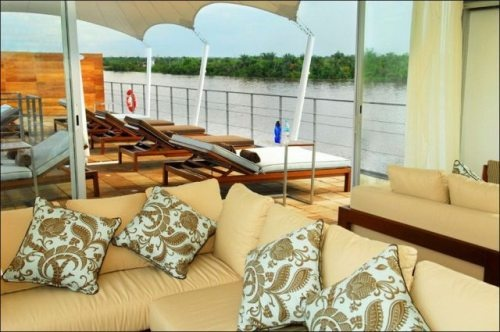 Aqua Expeditions is an astonishing floating five-star hotel cruising along the Amazon. The project was created by Peruvian architect Jordi Puig and is currently the only cruise in the region which fully complies with the world's lux standards. The hotel has 12 suites about 260 sq. ft. each, with panoramic windows offering picturesque views of Amazon landscapes.