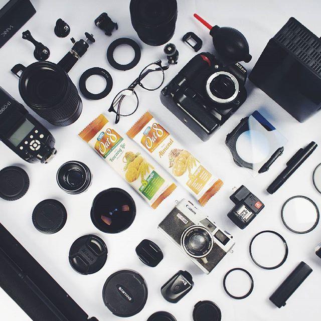 Sebagai #Fotografer, Kebersiahan kamera, lensa dan alat-alat lainya merupakan hal utama untuk mendukung berlangsungnya kegiatan pemotretan untuk kualitas yang maksimal. Maka dari itu salah satu kegiatan Saya yaitu membersihkan alat-alat tersebut, dan terkadang sampai lupa waktu. untung ada oat8 yang  menemani Saya, Cemilan Enak dan juga sehat. #EverydayIsHealthy #Oat8People @everydayishealthy
