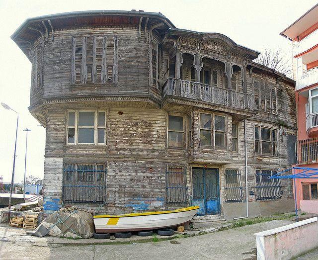 Sahildeki Ev (The Mansion by The Shore), Sariyer, Istanbul