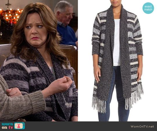 Molly's grey striped cardigan on Mike and Molly.  Outfit Details: https://wornontv.net/57480/ #MikeAndMolly