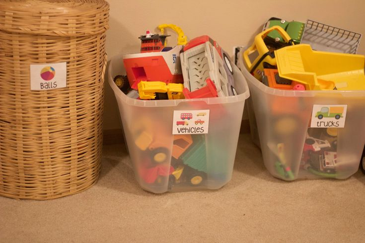Free toy bin labels to help you organize your toys!