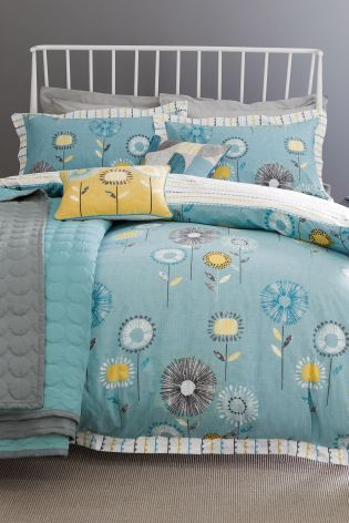 If you're feeling a little blue, why not treat yourself to something new for the bedroom? This stylish teal printed bedding will look gorgeous this summer.