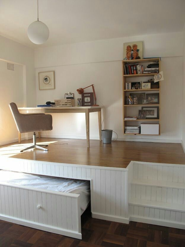 침실 구석 활용 디자인 창의적인 스토리 상자 소형 공간에서 실용적인 수납 공간 더하기 침실이 하나가 된 아늑한 디자인 현대적인 디자인 구도적 인테리어 책상까지 완벽구조 공간활용 완벽