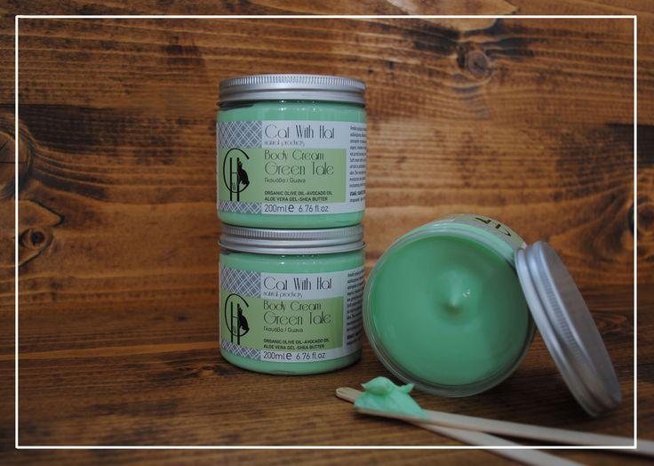 ▲Green Tale▲  Κρέμα Σώματος: Γκουάβα- 200ml (Με Λάδι Ελιάς Οργανικής Καλλιέργειας-Έλαιο Αβοκάντο-Αλόη Βέρα-Βούτυρο Καριτέ)  Απαλή κρέμα με πλούσια, βελούδινη υφή για το σώμα. Περιέχει λάδι ελιάς οργανικής καλλιέργειας πλούσιο σε αντιοξειδωτικά συστατικά, όπως οι πολυφαινόλες, το οποίο αποτρέπει την πρόωρη γήρανση της επιδερμίδας. Το έλαιο αβοκάντο και το βούτυρο καριτέ,πλούσια σε λιπαρά οξέα και βιταμίνες, ενυδατώνουν και χαρίζουν ελαστικότητα και μεταξένια υφή