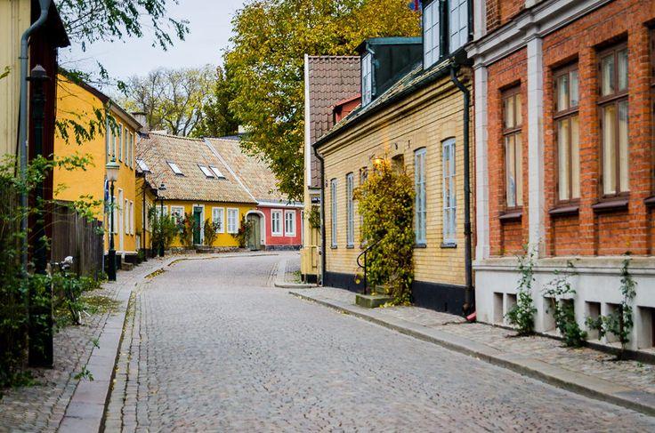 Ecco il primo post dedicato al mio fine settimana nordico passato tra Svezia e Danimarca. Oggi parliamo di Lund, una piccola e adorabile città a sud della Svezia, e di come ha accorciato le mie distanze.
