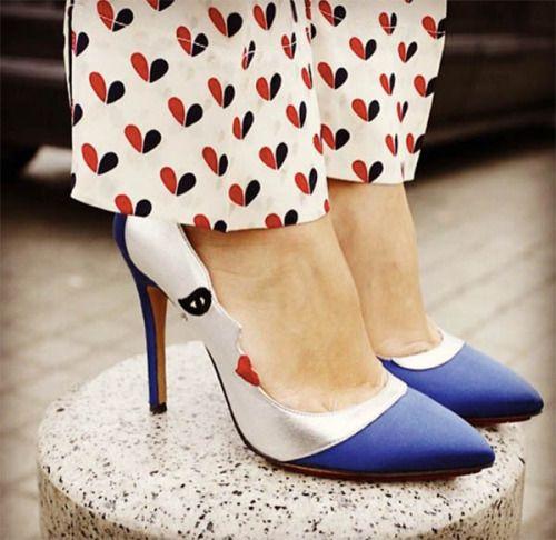 yestiloyvida:      Hoy la tendencia es lucir única, con detalles que muestren tu personalidad. Hazlo con estos zapatos artísticos, que te presentamos a continuación. Texto: Sofía Orsay   Foto: Instagr