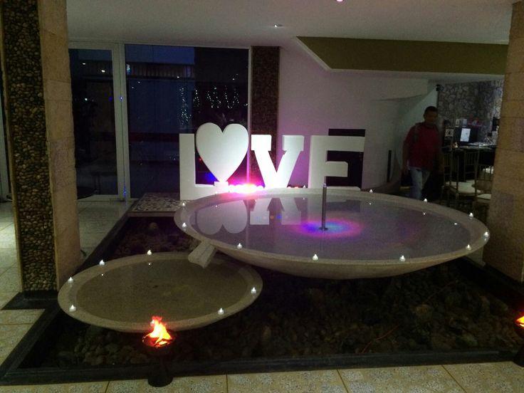 Mi boda, fuente romántica love y velas!!
