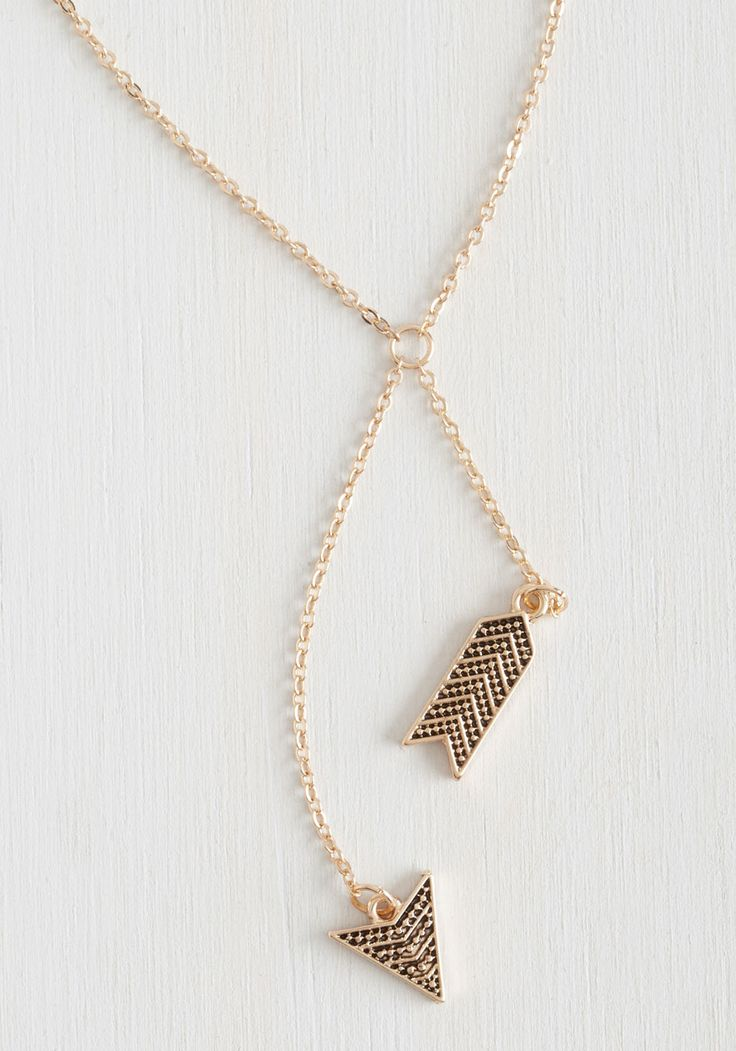 Arrowhead of the Class Necklace. Hone your accessorizing skills and watch your style earn top marks with this gold necklace! #gold #modcloth