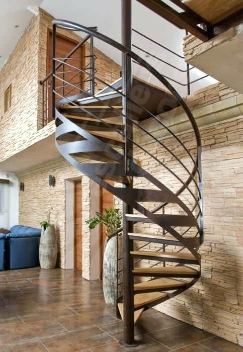 escalier en colimacon structure metal central escalier. Black Bedroom Furniture Sets. Home Design Ideas