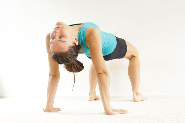 Yoga para principiantes ABDOMINALES+PIERNAS | Dia 5