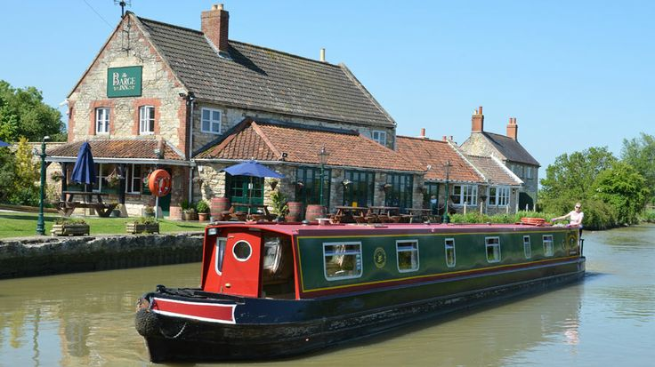 Enter our prize draw for a chance to win this fantastic family getaway exploring the scenic canals and rivers of the UK