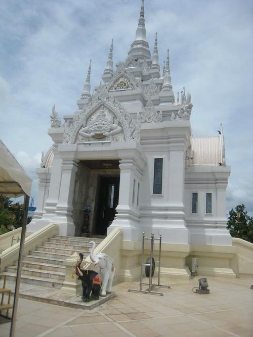 Surat Thani City Pillar Shrine - Surat Thani, Thailand
