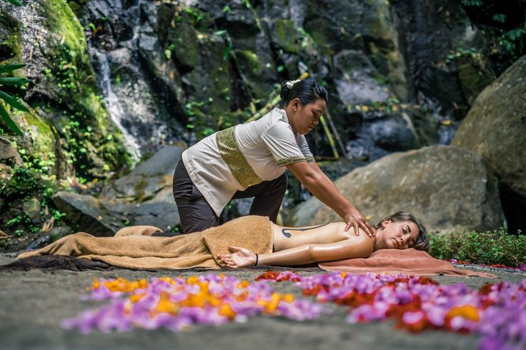 Spa by the river. A Balinese massage by the river surrounded by nature. Exclusive, private and peaceful amongst nature. Check out this unique Bali massage.