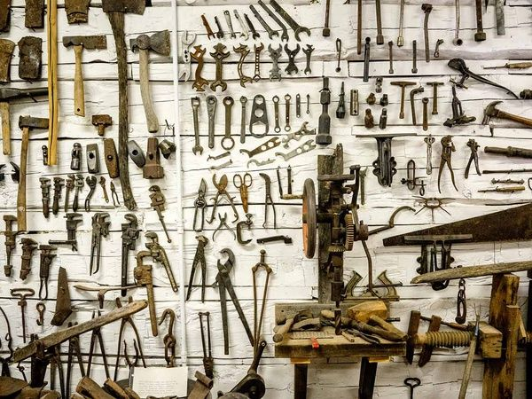 An infinite set of security tools  Window Snyder says security basics are hard to implement consistently but they're worth the effort.  Continue reading An infinite set of security tools.  http://ift.tt/2hvSkoW