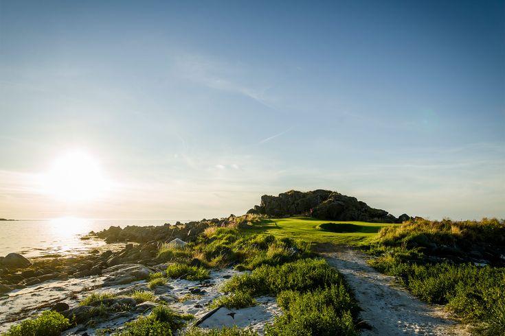 Lofoten Golf Links, Norway  Photo: Mickael Tannus
