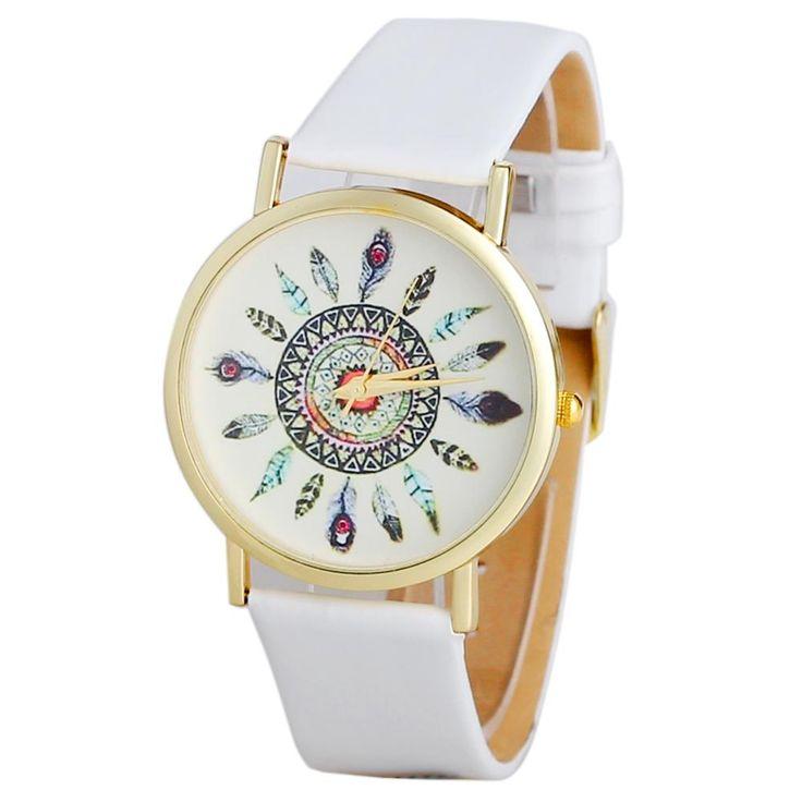 La montre tendance 2016. Superbe montre, unique en son genre. Mouvement à trois aiguilles.  Un jolie montre qui sublimera vos poignets en un clin d'oeil!!!  La montre parfaite à offrir ou s'offrir!  Emballage cadeau offert!