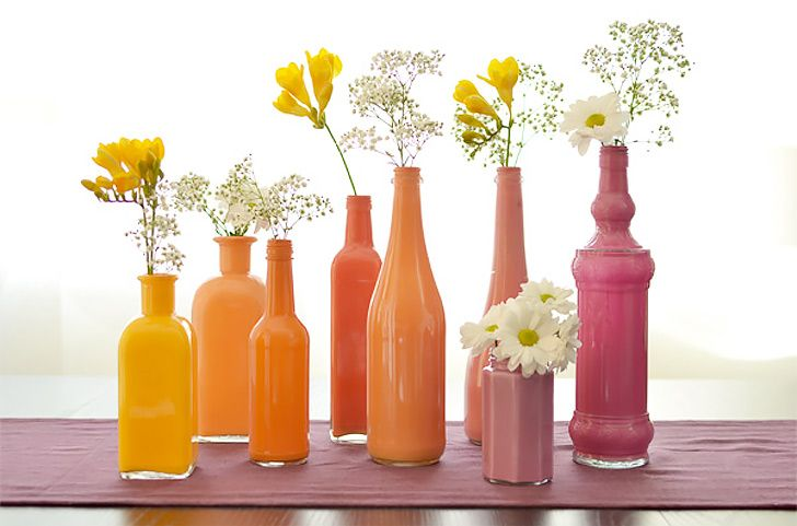 Painted Bottle Vases - http://diply.com/different-solutions/gorgeous-painted-bottle-vases/20948