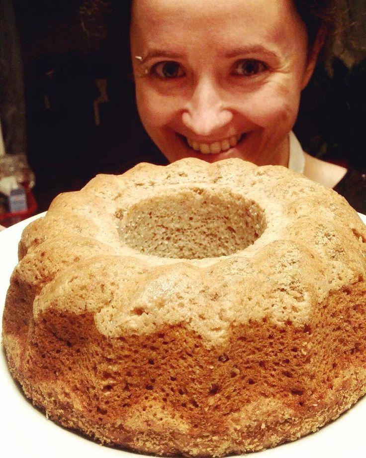 #foodfest #mnamfest #happy #funtime #vegan #cake #babana #cinnamon Bábovka je na světě!🎂🍰😌☺️🕊#klubkovari