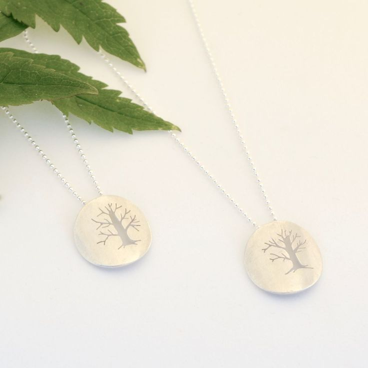 Håndlagde smykker med trær, saget ut av sølvplate (925). Zylla smykker. Click on the image to see more!