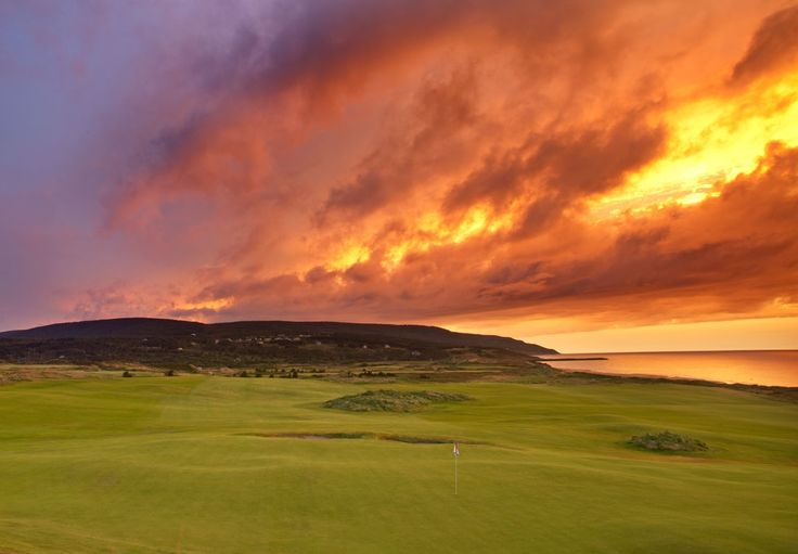 Looking back on an amazing sunset over the fourth hole at Cabot Links.
