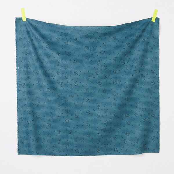 A:Tours(トゥール)フランスでは5月、親しい人や母へスズランを贈る習慣があります幸せな町の様子を、スズラン畑を歩いているような1枚に描きましたキャンバス 麻-55 / 綿45% 生地巾→約110cm¥1,600