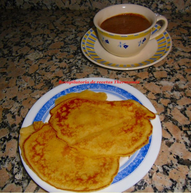 Thermomix  Ingredientes:   -150 gr harina -1/2 cucharadita de sal -50gr mantequilla -30 gr azúcar -200 gr leche -2 huevos -1 cucharadita de levadura royal