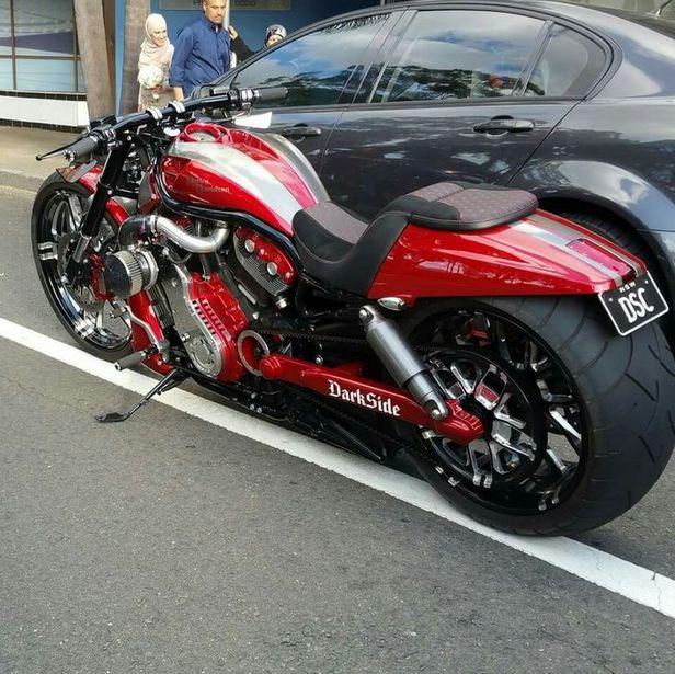 Darkside Custom Harley Davidson