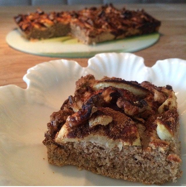 Ontbijten met taart! Havermout-taart met appel tjonge jonge het lijkt wel appeltaart en dat in de vroege morgen! glutenvrij en koemelkvrij!