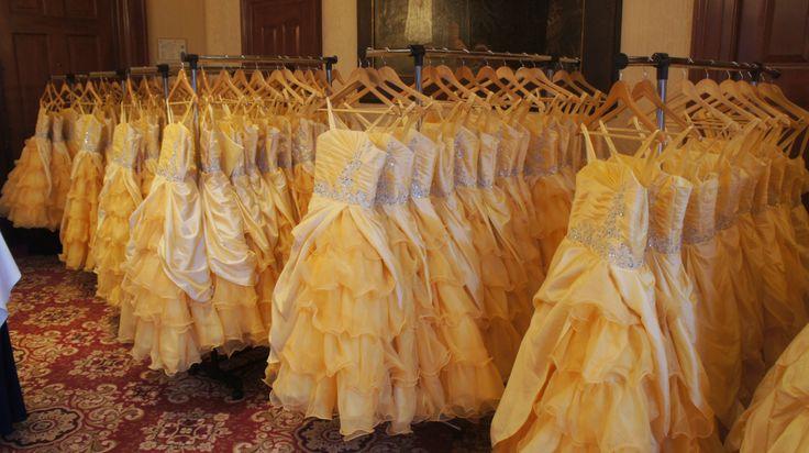 De honderd prinsessenjurken hingen al klaar in het magische Amstel Hotel in Amsterdam.