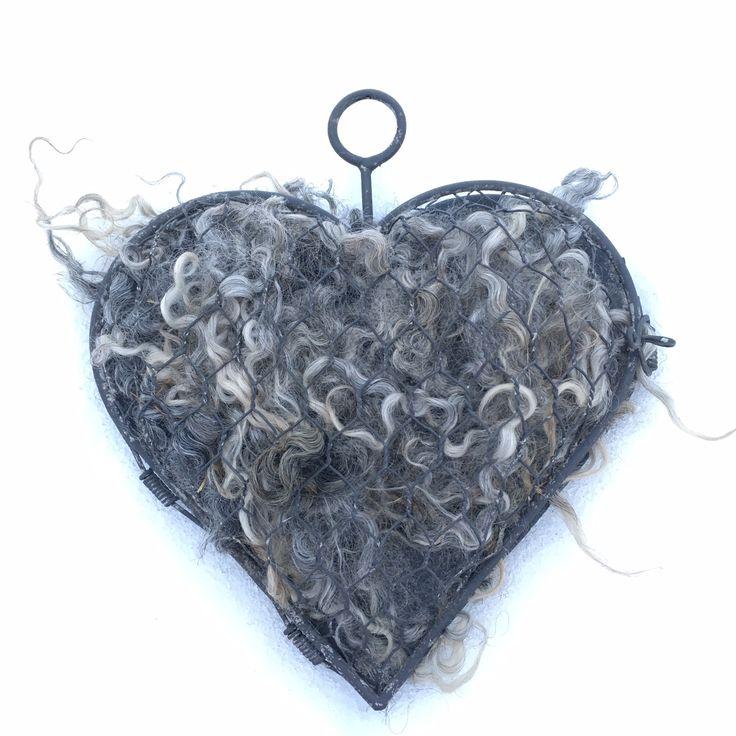 Fårskinn och ullprodukter : Hjärta fyllt med ull