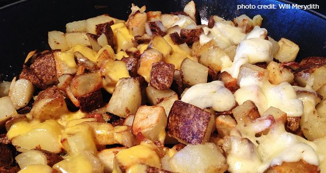 an entree with a great side dish people will enjoy the meal even more. These dutch oven cheesy potatoes are just that, a killer side dish to any meal.