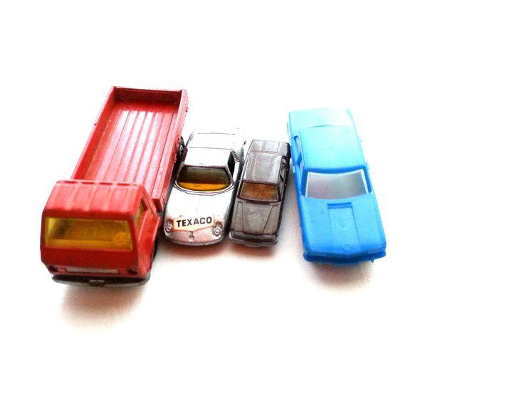 Auto-Set 5 verschiedene Autos aus den 70zigern - gebraucht Art.-Nr.: RSP1004 Da es sich nicht um neue Ware (Antiquitäten) handelt, gibt es das Produkt in der Regel nur als Einzelstück. Beachten Sie ggf. andere Hinweise auch mehrteilige Sets in der Beschreibung.